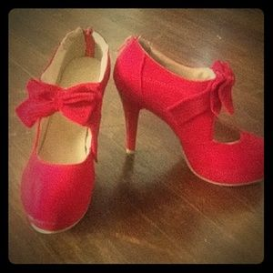 Shoes - Red  bow pumps